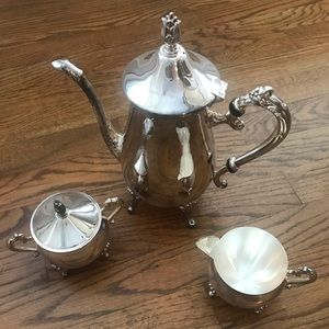 Vintage Kitchen - Vintage Leonard Silver Tea Set